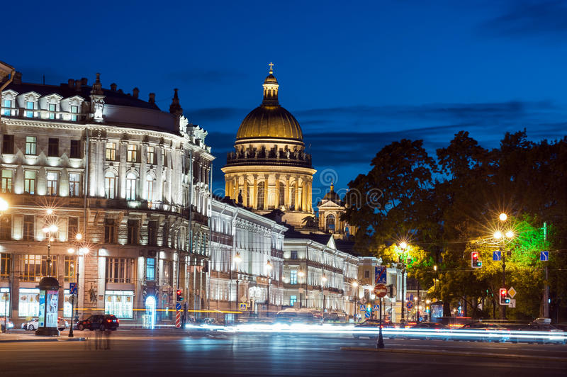 St以撒的大教堂和涅夫斯基远景 图库摄影