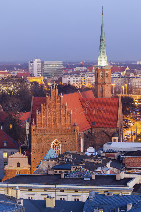 St Adalbert& x27; s-kyrka i Wroclaw fotografering för bildbyråer
