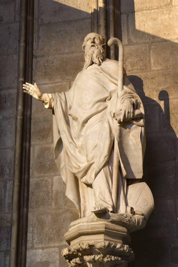 St. Agustín de la iglesia de París - Notre Dame imagen de archivo libre de regalías