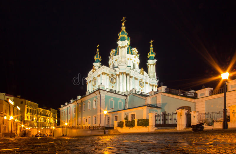 St. Andrew Church e descida, Kiev fotografia de stock royalty free