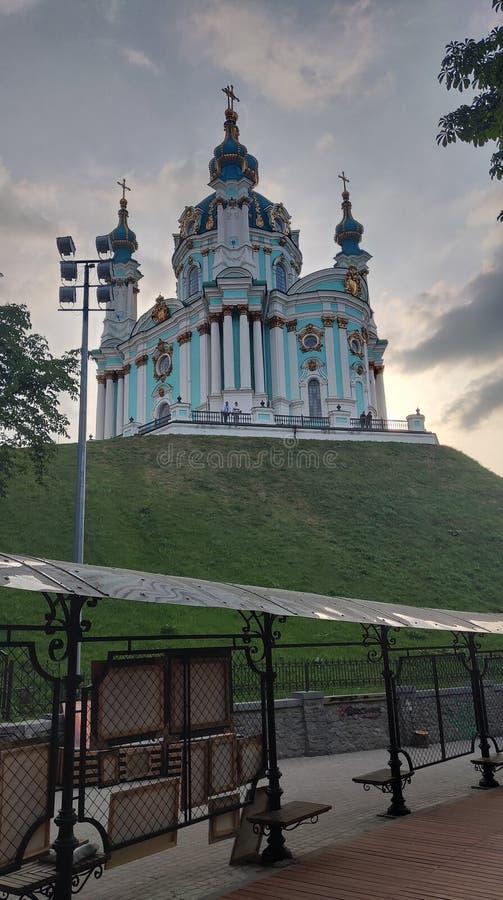 St Andrew& x27; s kościół w Kijowskim dolnym widoku zdjęcia royalty free