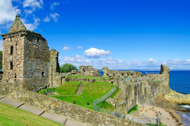 St Andrews het Kasteel ruïneert oriëntatiepunt. Fife, Schotland. stock afbeeldingen