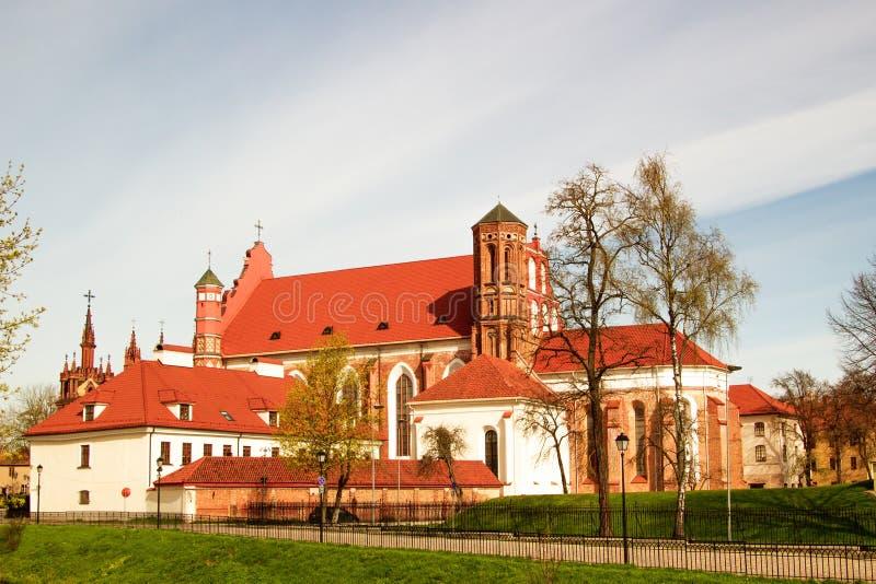St- Anne` s und Bernadine-` s Kirchen in Vilnius, Litauen stockfoto