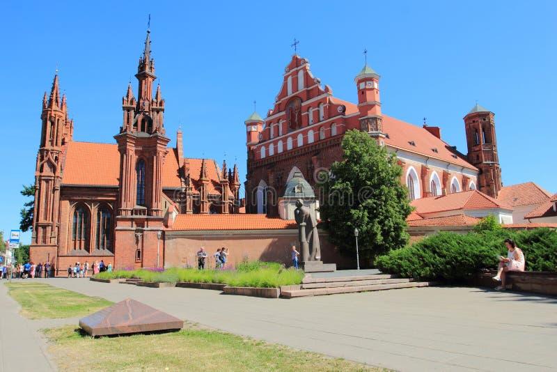St Anne und Bernadines Kirchen in Vilnius lizenzfreies stockbild