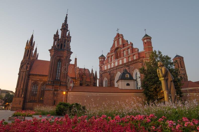 St Anne und Bernadines Kirchen in Vilnius, Litauen stockfotografie