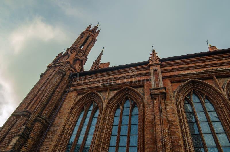 St Anne und Bernadines Kirchen in Vilnius, Litauen stockbilder