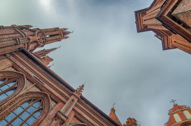 St Anne und Bernadines Kirchen in Vilnius, Litauen lizenzfreies stockbild