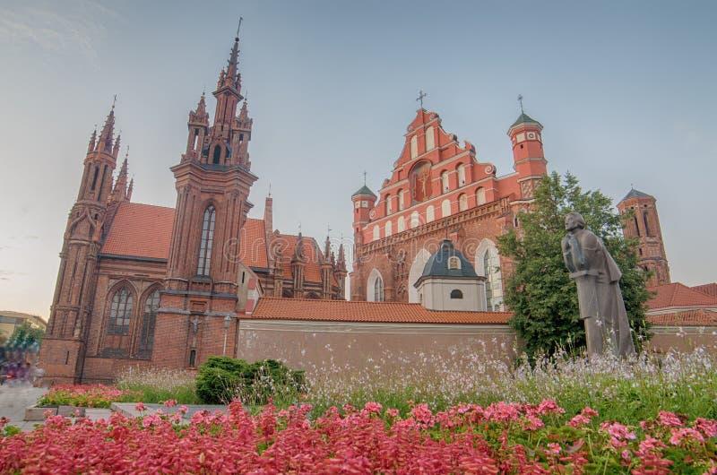 St Anne und Bernadines Kirchen in Vilnius, Litauen lizenzfreies stockfoto