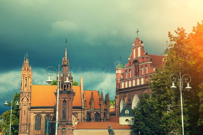 St Anne und Bernadines Kirchen in Vilnius-Stadt lizenzfreies stockbild