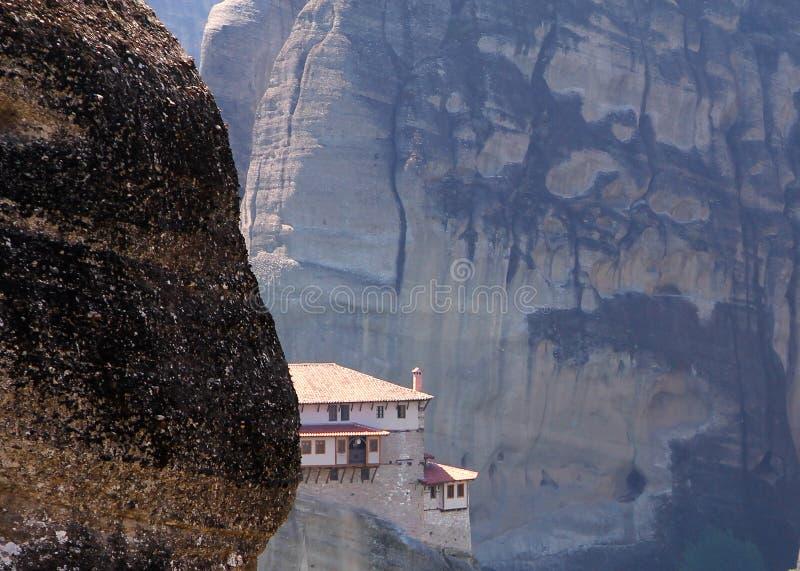 St Barbara del monastero di Rousanou nel complesso di Meteora, Grecia fotografia stock libera da diritti
