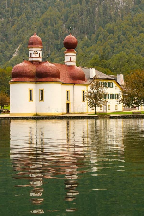 St Bartholoma kościół. Konigssee. Niemcy obrazy royalty free