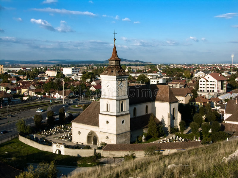 St Bartholomew em Brasov (a Transilvânia, Romania) foto de stock