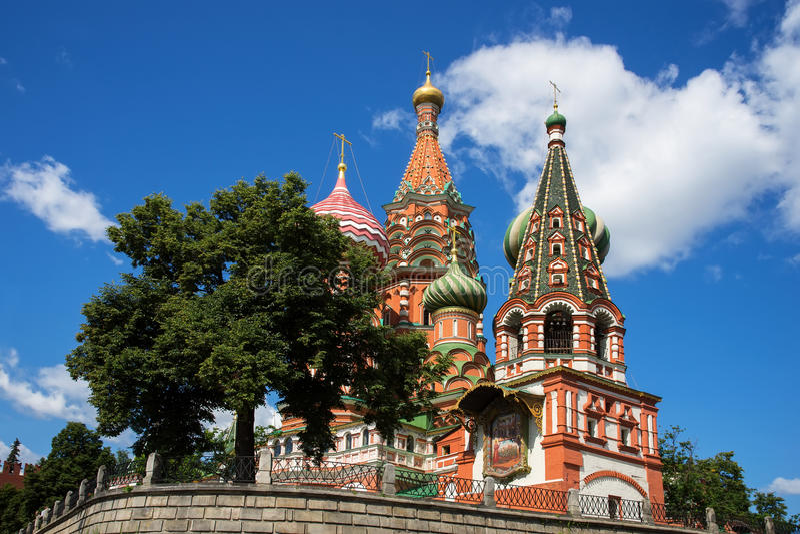 St Basil de cathédrale d'intervention sur la place rouge, Moscou, Russie photos libres de droits