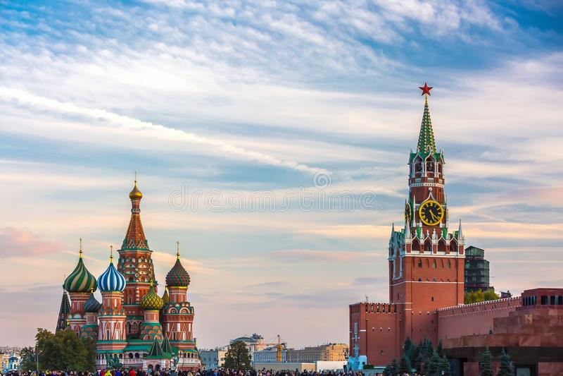 St Basilicum` s Kathedraal tegenover het Kremlin royalty-vrije stock afbeelding