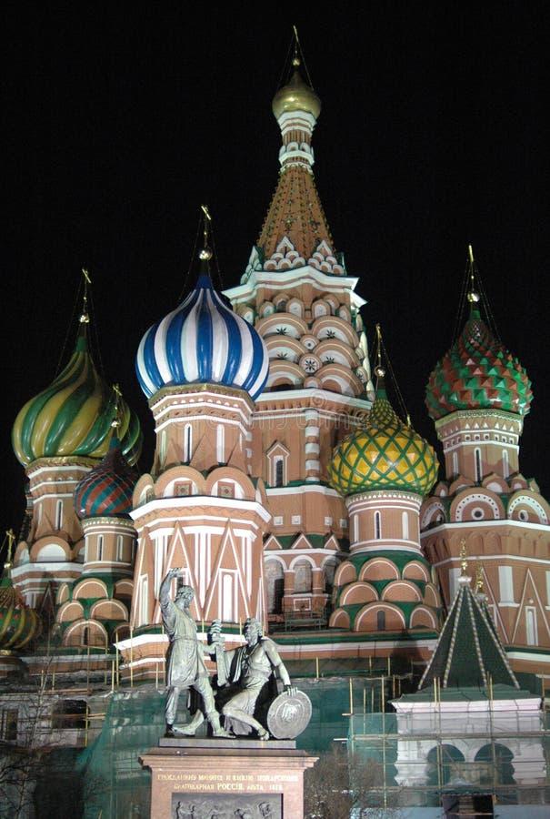 St basilu katedra, Moskwa, Rosja przy nocą obraz stock
