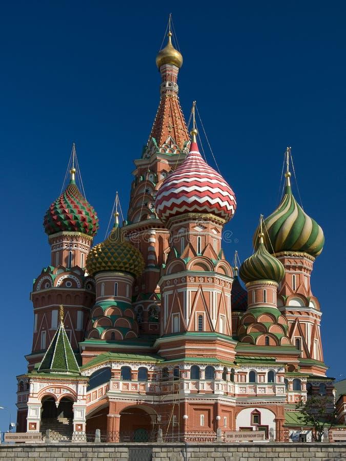 St. Catedral de la albahaca en Moscú imagenes de archivo