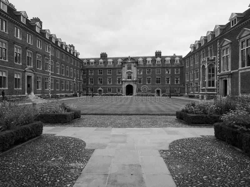 St Catharine Universiteit in Cambridge in zwart-wit stock afbeelding