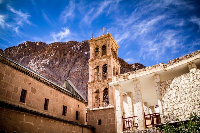 St Catherine ` s dichtbijgelegen het Klooster zet Sinai op royalty-vrije stock foto