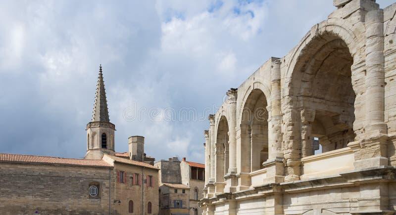 St Charles e arena - Arles - Provence - Camargue - França imagem de stock