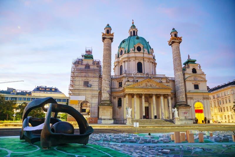 St Charles Kerk (Karlskirche) in Wenen, Oostenrijk stock foto's