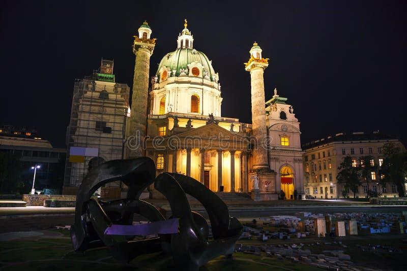 St Charles Kerk (Karlskirche) in Wenen, Oostenrijk royalty-vrije stock fotografie