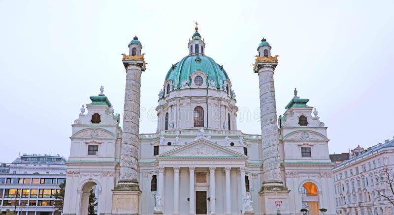 St Charles ` s Kerk Karlskirche in Wenen, Oostenrijk stock afbeeldingen