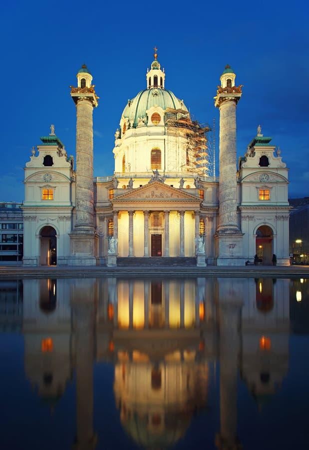 St Charles u. x27; s-Kirche in Wien stockfotografie