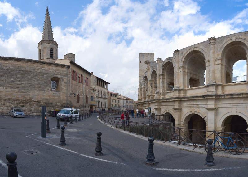 St Charles und Arena - Arles - Provence - Camargue - Frankreich lizenzfreie stockfotos