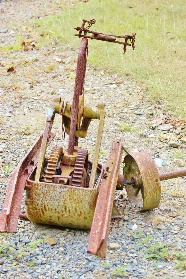 St croix de botanische pomp van het tuin antieke roestige water royalty-vrije stock foto
