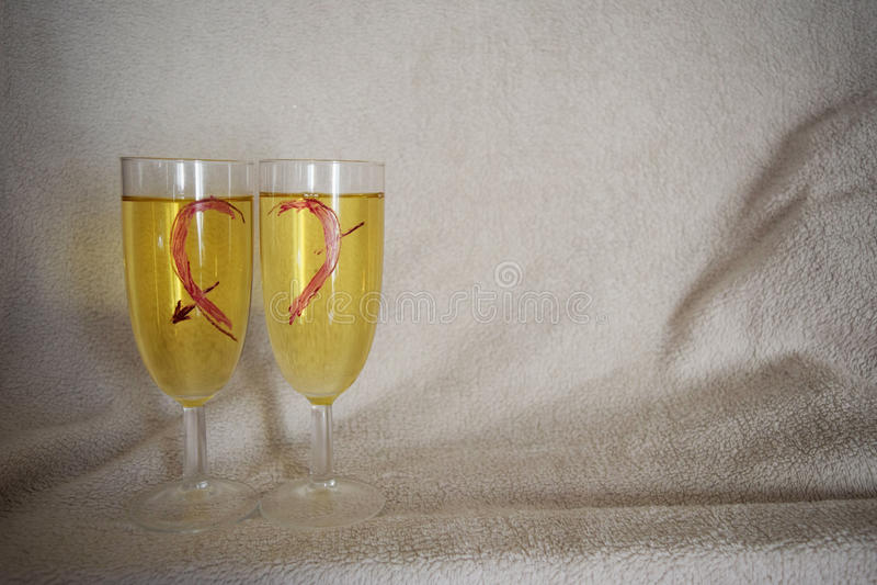 St Día del ` s de la tarjeta del día de San Valentín Desayuno en una cama fotografía de archivo libre de regalías