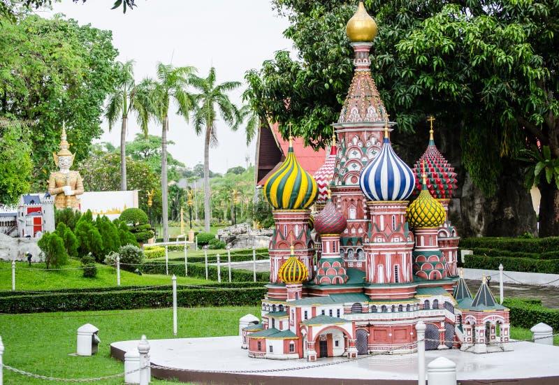St de Basilicum` s kathedraal Moskou Rusland bij miniatuurpark is een open plek die miniatuurgebouwen en modellen toont royalty-vrije stock afbeeldingen