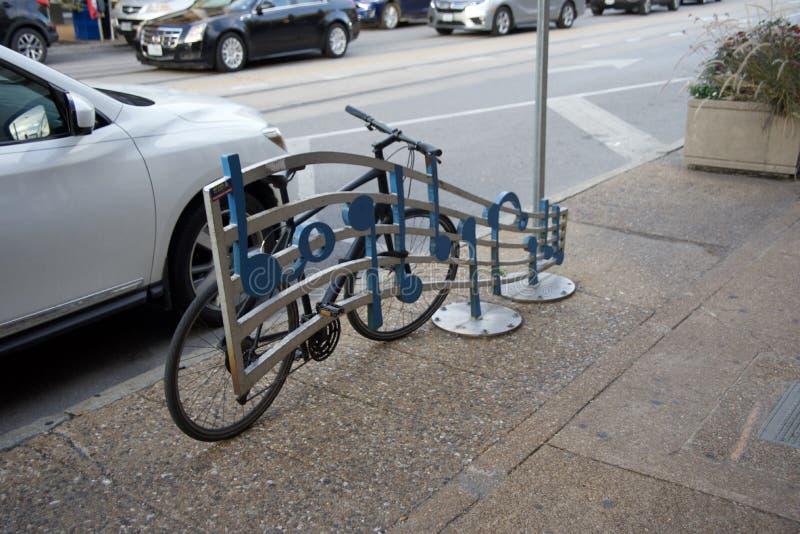 St do centro Louis Missouri da cremalheira da bicicleta fotografia de stock