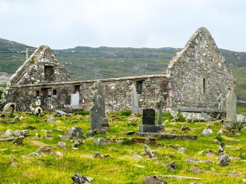 St Dympna ` s xviii wiek kościół z doniosłymi kamieniami, zdjęcia royalty free