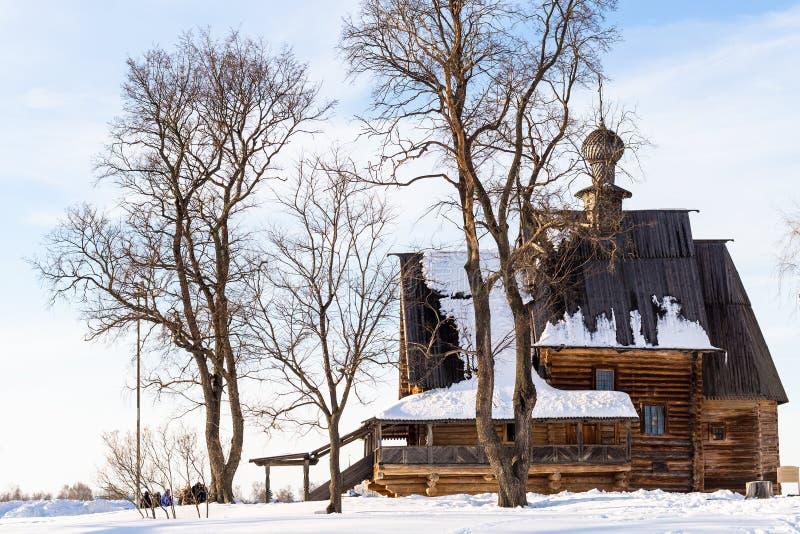 St en bois Nicholas Church dans Suzdal en hiver photos libres de droits