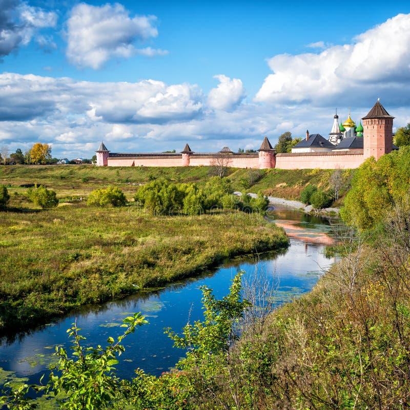 St Euthymius monaster w antycznym miasteczku Suzdal, Rosja obraz royalty free