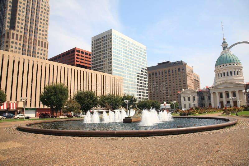 st för springbrunnkienerlouis plaza royaltyfri fotografi