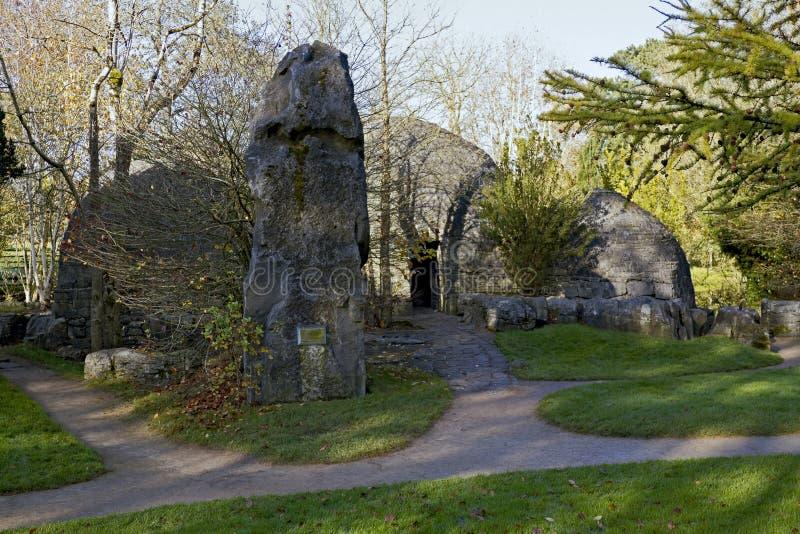 St Fiachra van de hutten van de steen Tuin stock foto