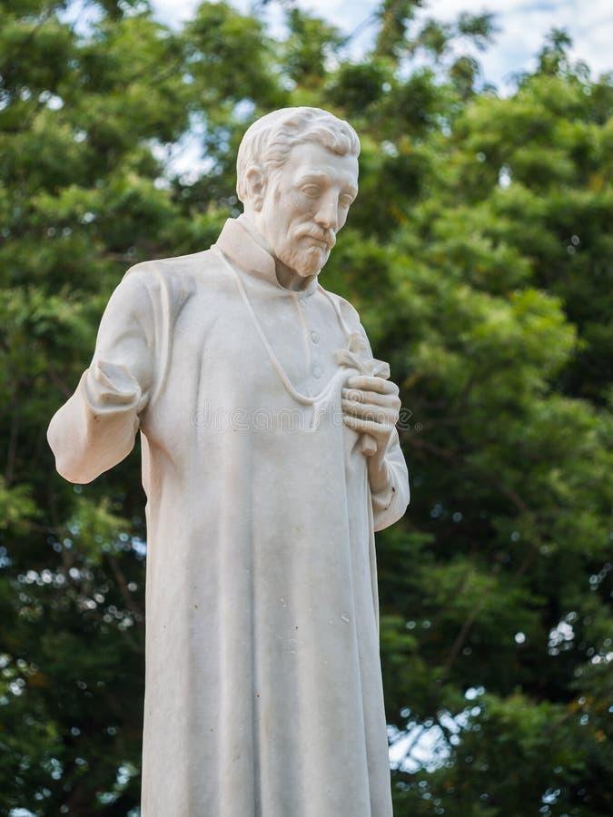 St Francis Xavier standbeeld voor de ruïnes van St Paul Chu royalty-vrije stock afbeeldingen