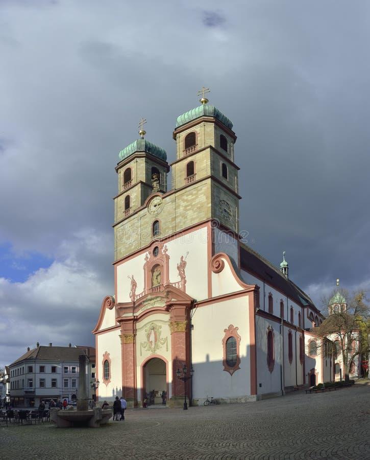 St Fridolin (nster della chiesa cattolica del ¼ di FridolinsmÃ) dalla città di Stein fotografia stock