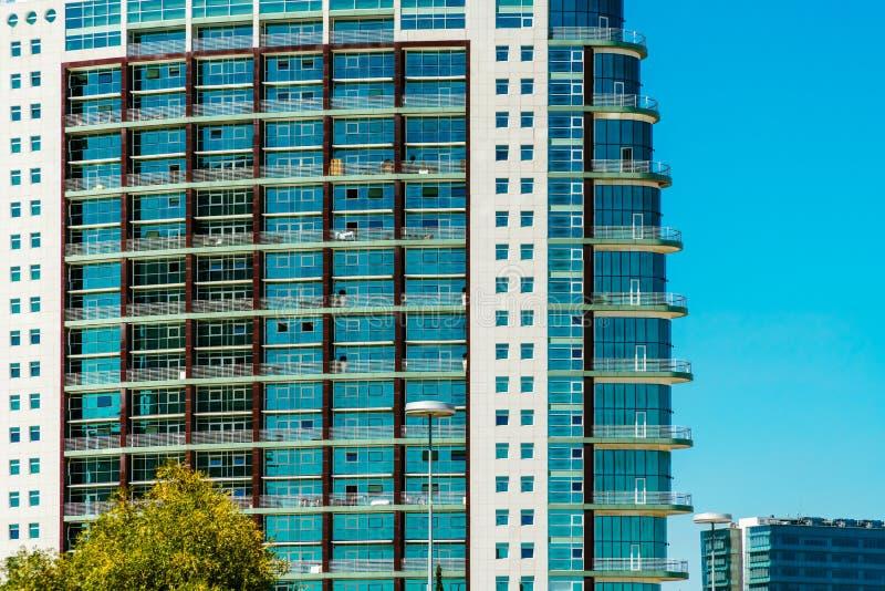 St Gabriel et saint Rafael Twin Towers à Lisbonne images stock