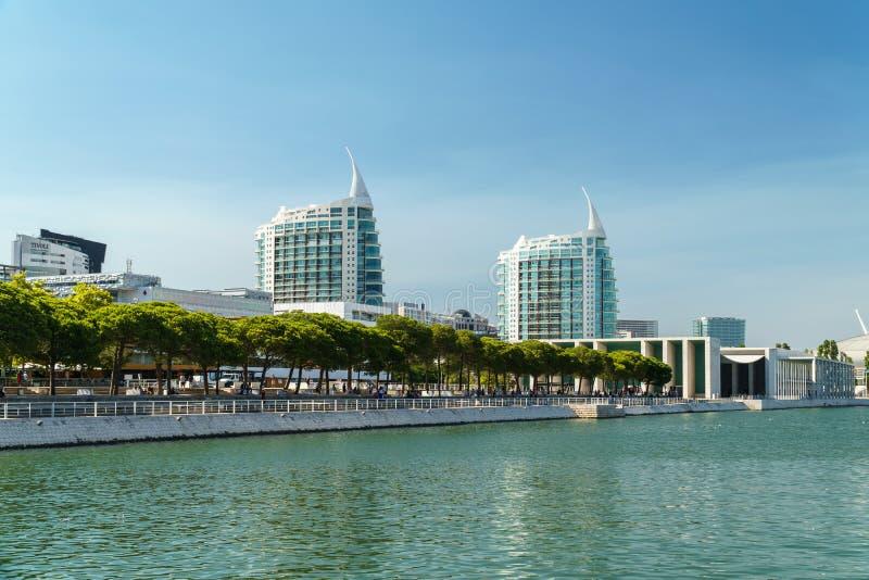 St Gabriel et saint Rafael Twin Towers à Lisbonne photos stock