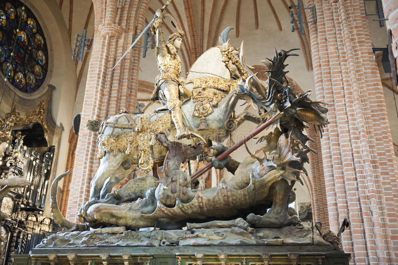 St George et le dragon, cathédrale de Storkyrkan, Stockholm photographie stock libre de droits