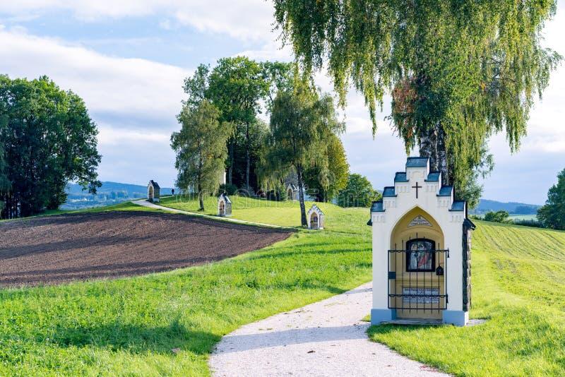 ST GEORGEN, BOVEN-OOSTENRIJK /AUSTRIA - 15 SEPTEMBER: Calvary Chur royalty-vrije stock afbeelding