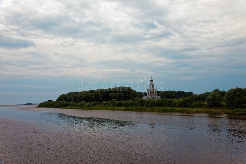 St Georges Cathedral St Georges Monastery cerca de Novgorod Iglesia ortodoxa antigua imagen de archivo