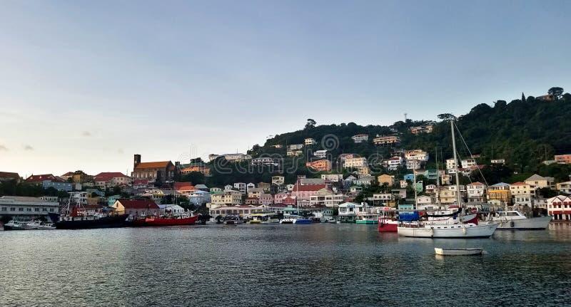 St Georges cruisehaven, hoofdstad van Grenada, de Caraïben royalty-vrije stock afbeeldingen