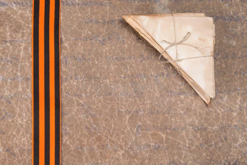 St Georges faborek i koperty, na tle stary papier, tam jest miejsce dla fotografia nieśmiertelnego pułku zdjęcie stock