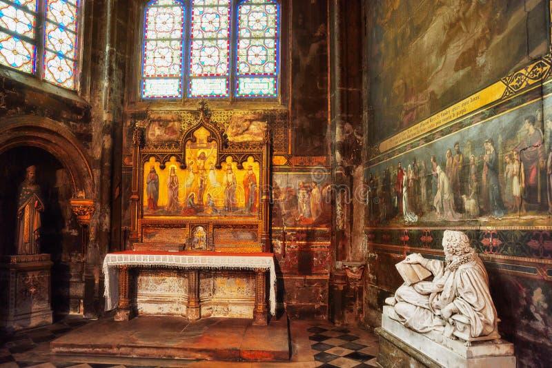 St Germain interno l ` Auxerrois foto de stock