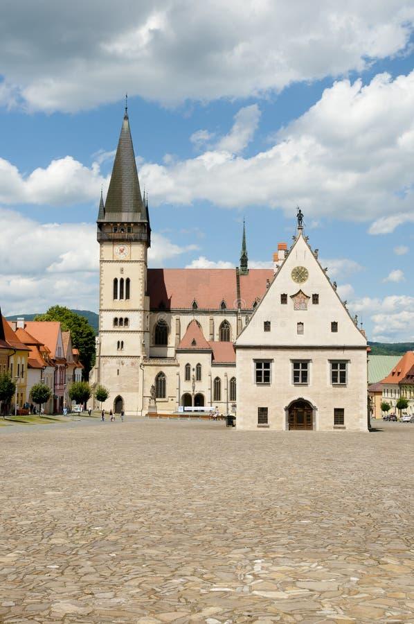 St Giles Church & câmara municipal - Bardejov - Eslováquia fotografia de stock