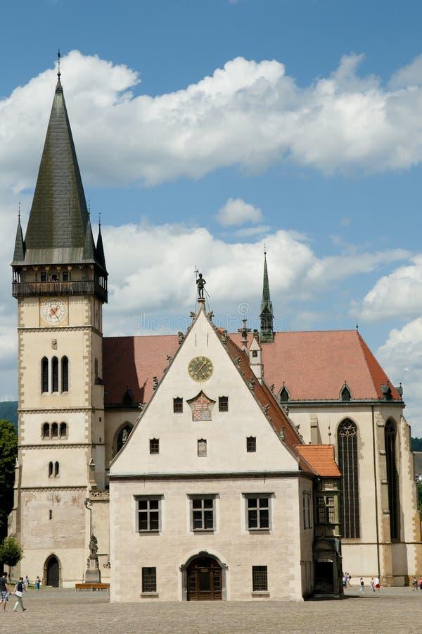 St Giles Church & câmara municipal - Bardejov - Eslováquia imagens de stock