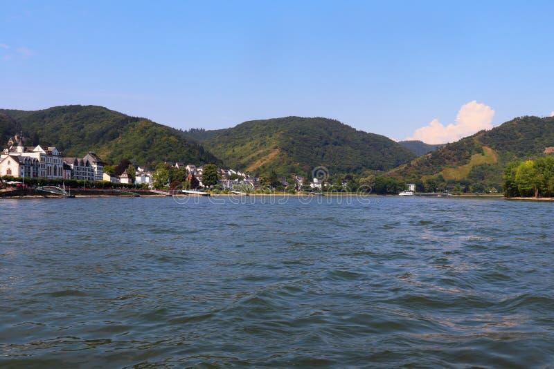 St Goar en de Rijn-Rivier in Duitsland stock foto's